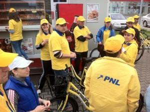 actiune-biciclete-PNL-Alba-Iulia-europarlamentare1