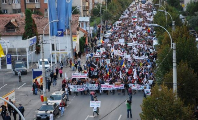 CARE - despre Ponta...STIMATE ALEGATOR RrUMÂN, DRAGĂ NAȘ FLOREO Protest_ponta