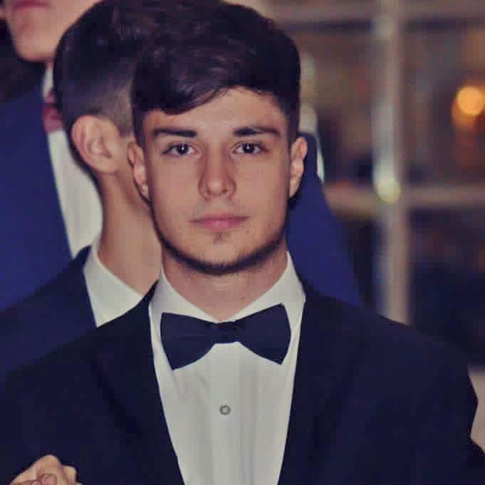 alex hogea_colectiv